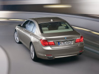 BMW-7-Series_5.jpg