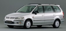 Mitsubishi  Space Wagon (с 2002 по 2004 годы)