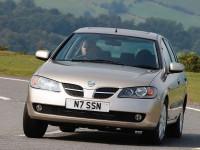 Nissan-Almera-II-Hatchback_4.jpg