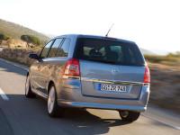 Opel-Zafira-B_3.jpg