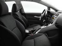 Toyota-Auris_5.jpg
