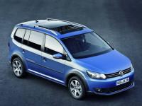Volkswagen-CrossTouran_2.jpg