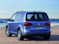 Volkswagen-CrossTouran_4.jpg