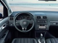 Volkswagen-CrossTouran_5.jpg