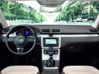 Volkswagen-Passat_5.jpg